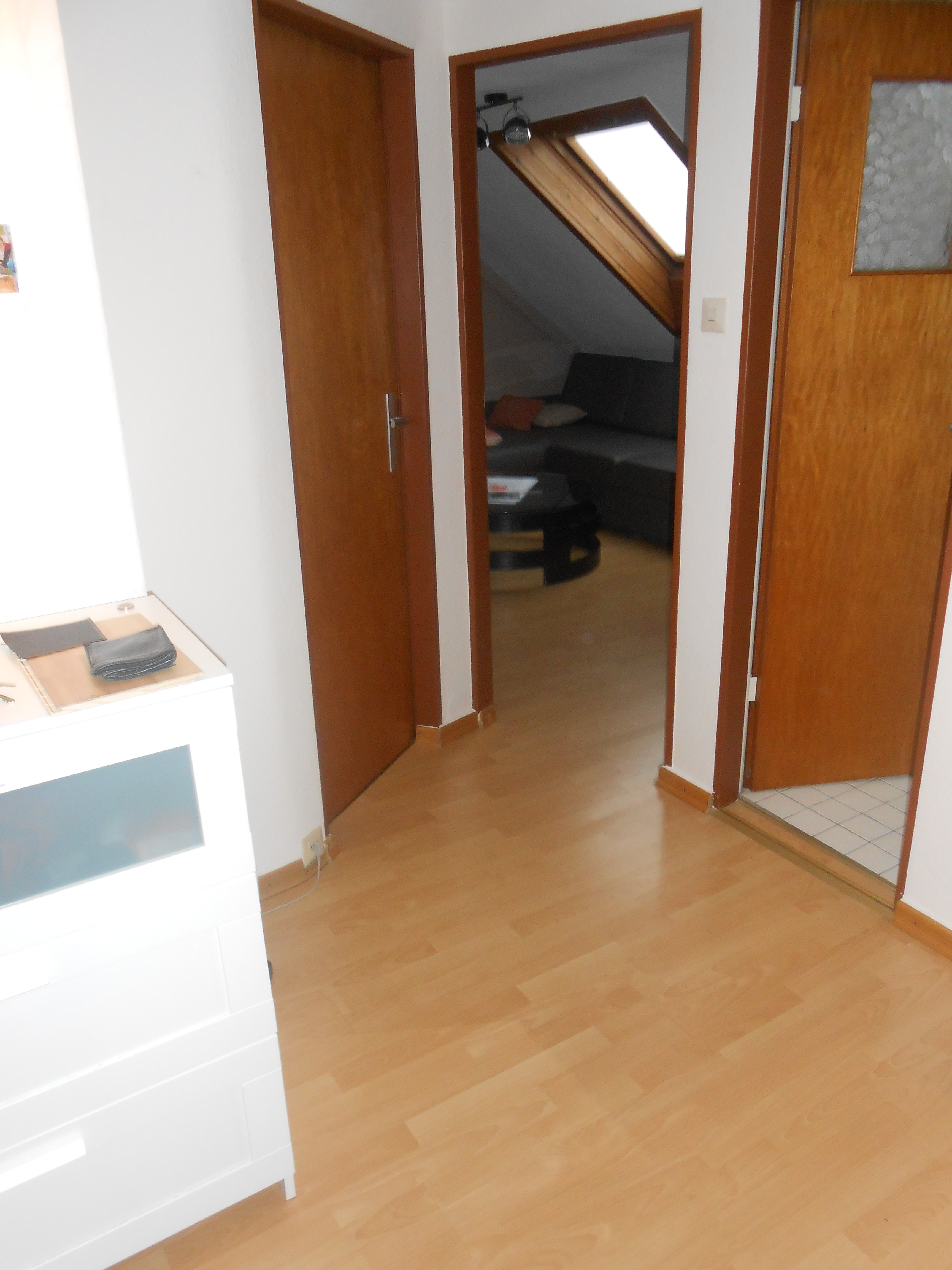 2 zimmer wohnung ruesselsheim moebliert 1 hettich immobilien. Black Bedroom Furniture Sets. Home Design Ideas